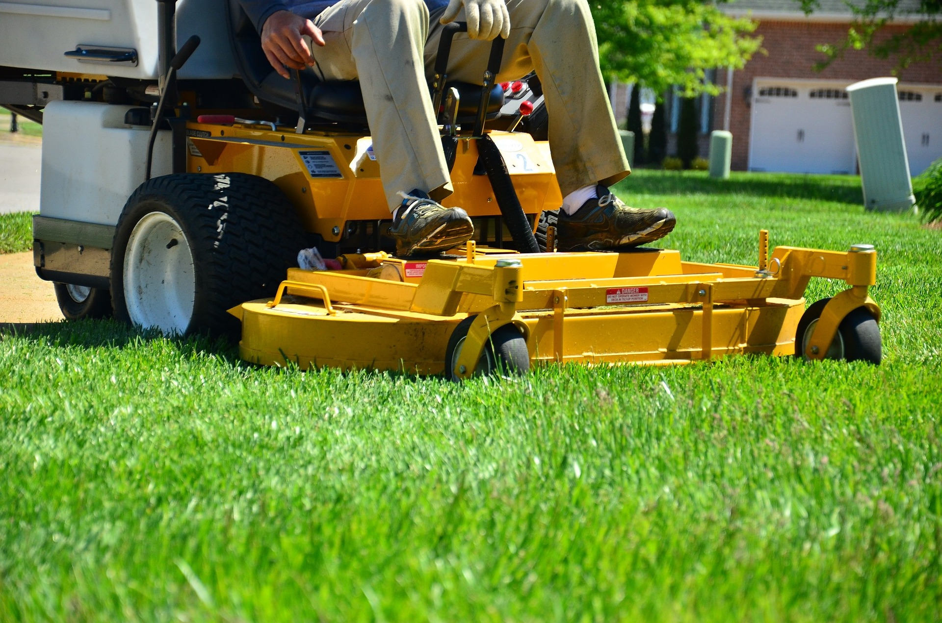 Lawn Mowing Service Lincoln Ne - Lincoln Tree and Garden